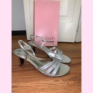 NWOT TOUCH OF NINA SILVER CHROME GISEPE HEELS